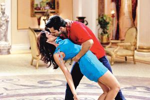 Varun Dhawan locks lips in 'Main Tera Hero'